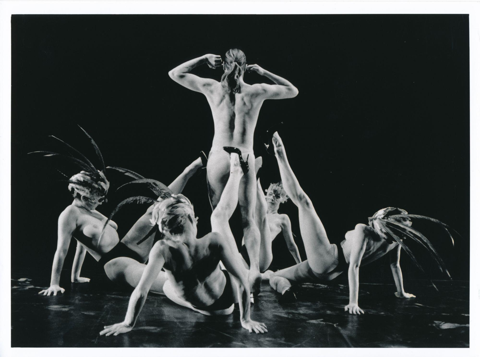 Helsingin kaupunginteatterin tanssiryhmä, Keppi, chor. Anzu Furukawa, 1996
