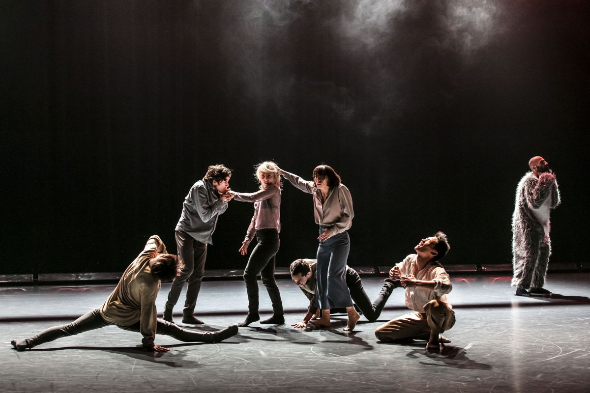 Winter Guests-Story, story, die. Chor. Alan Lucien Øyen. Photo Mats Bäcker